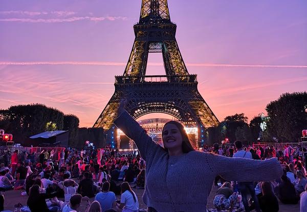 Absolute intern in a concert in Paris